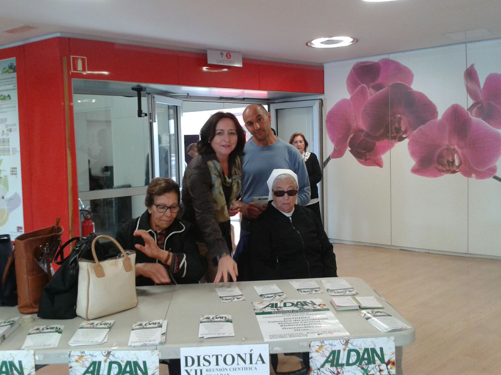 mesa-informativa1-dia-europeo-de-la-distonia