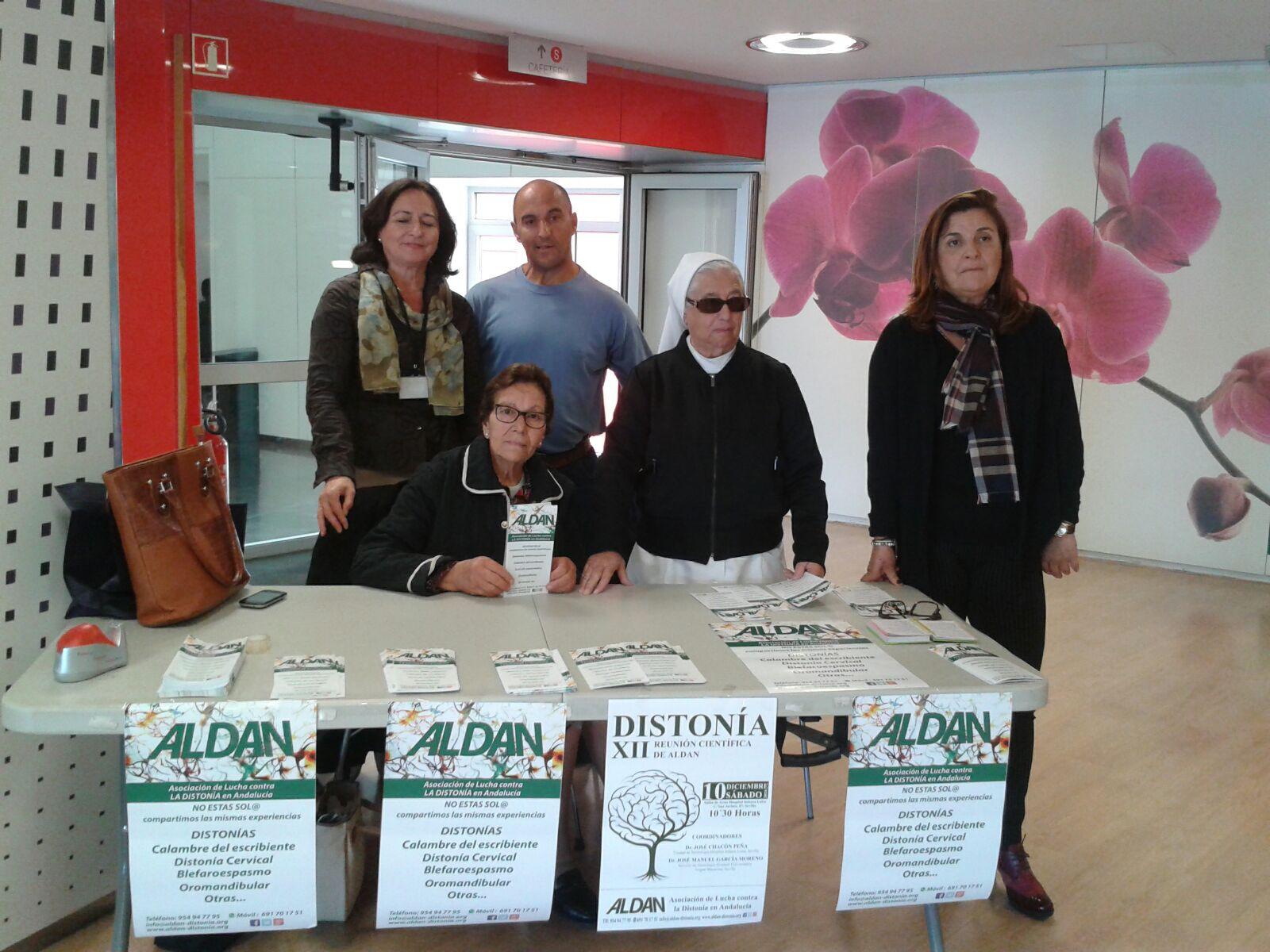 mesa-informativa2-dia-europeo-de-la-distonia